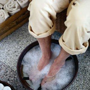 Как подстричь жесткие толстые ногти на больших пальцах ног у пожилых людей препараты средства и мази