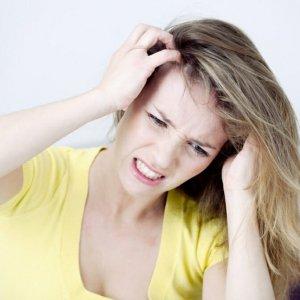 Если чешется голова, и выпадают волосы