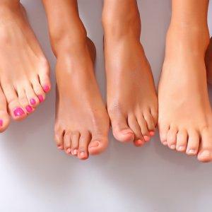 Трещина у основания мизинца на ноге. Лечение трещин между пальцев ног. Трещина между пальцами ноги и грибковые заболевания
